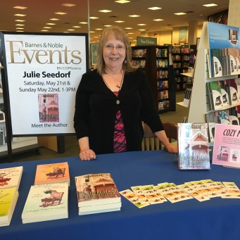 Book signing at Barnes and Noble, Mankato, Minnesota